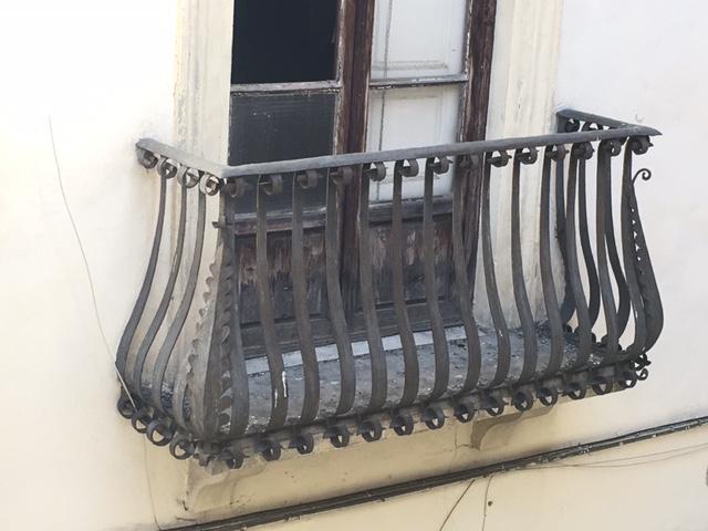 Alte Gebäude und Sanierungsbedarf - ERhaöltungs- und Verbesserungsbeitrag EVB nötig.