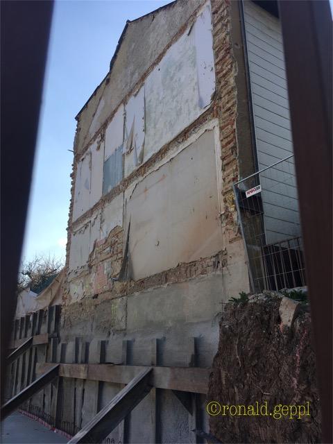 Abgestützte Fassade Symbolfoto